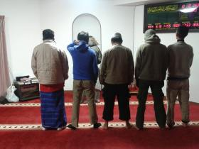 Sholat Subuh Berjamaah di Masjid As-Salam Hiroshima